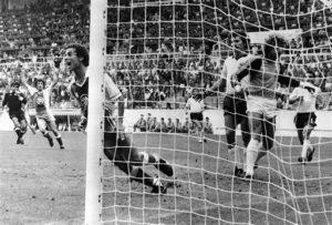 شکست آلمان مقابل الجزایر در جام جهانی ۸۲