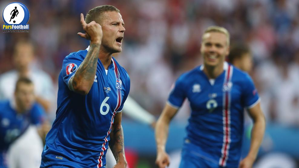 NICE, FRANCE - JUNE 27:  Ragnar Sigurdsson (L) of Iceland celebrates scoring his team's first goal during the UEFA EURO 2016 round of 16 match between England and Iceland at Allianz Riviera Stadium on June 27, 2016 in Nice, France.  (Photo by Lars Baron/Getty Images)