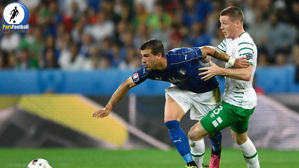 Italy's midfielder Stefano Sturaro (L) and Ireland's midfielder James McCarthy vie for the ball during the Euro 2016 group E football match between Italy and Ireland at the Pierre-Mauroy stadium in Villeneuve-d'Ascq, near Lille, on June 22, 2016. / AFP / PHILIPPE LOPEZ        (Photo credit should read PHILIPPE LOPEZ/AFP/Getty Images)
