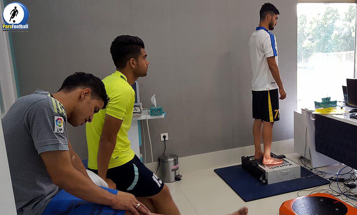 اعضای تیم فوتبال پدیده در تست پزشکی