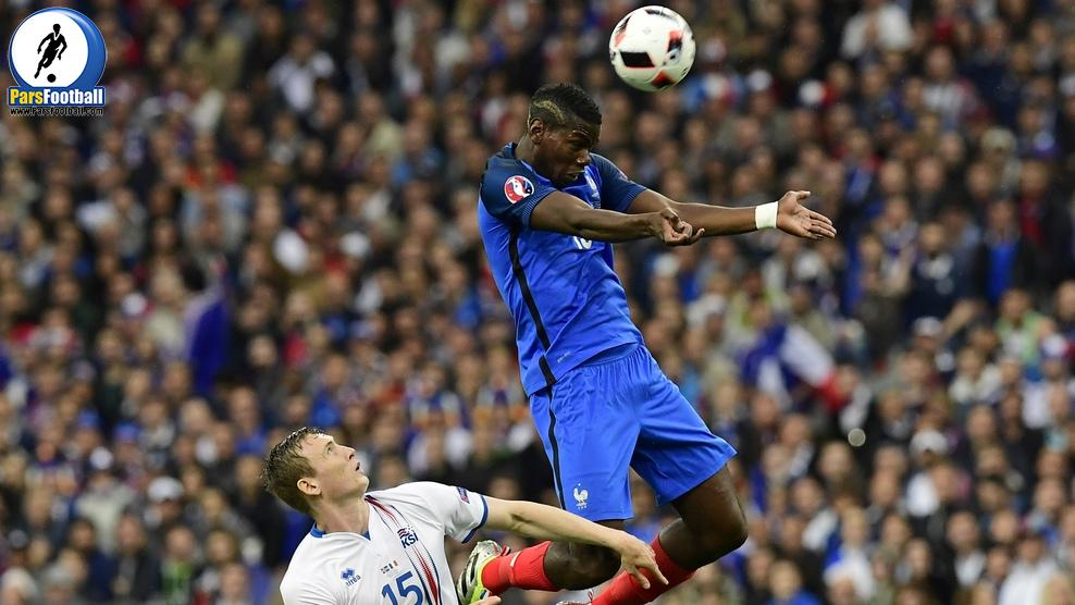 Iceland's forward Jon Dadi Bodvarsson vies for the ball against France's midfielder Paul Pogba during the Euro 2016 quarter-final football match between France and Iceland at the Stade de France in Saint-Denis, near Paris, on July 3, 2016.. / AFP / TOBIAS SCHWARZ        (Photo credit should read TOBIAS SCHWARZ/AFP/Getty Images)