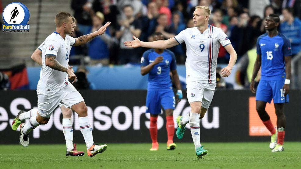 Iceland's forward Kolbeinn Sigthorsson (R) celebrates after scoring a goal with Iceland's defender Ragnar Sigurdsson (L) during the Euro 2016 quarter-final football match between France and Iceland at the Stade de France in Saint-Denis, near Paris, on July 3, 2016.  / AFP / PHILIPPE LOPEZ        (Photo credit should read PHILIPPE LOPEZ/AFP/Getty Images)