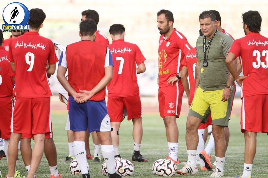 تیم فوتبال نفت