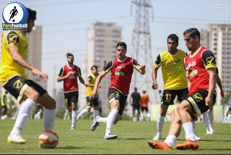 تیم ملی فوتبال - ملی پوشان