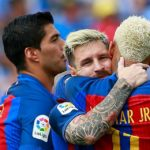 LEGANES, SPAIN - SEPTEMBER 17: Lionel Messi (L) celebrates scoring their fourth goal with teammates Neymar JR. (R) and Luis Suarez (L)  during the La Liga match between Deportivo Leganes and FC Barcelona at Estadio Municipal de Butarque on September 17, 2016 in Leganes, Spain. (Photo by Gonzalo Arroyo Moreno/Getty Images)