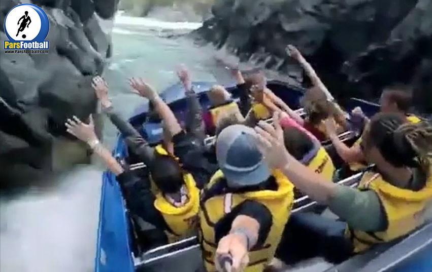 فیلم | کلیپ جالب | هیجان بر انگیزترین قایق موتور سواری در رودخانه