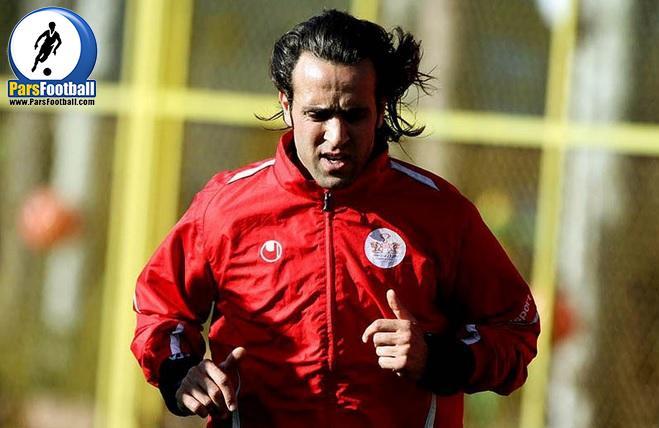 علی کریمی نیازمند دریافت تاییدیه مدرک مربیگری اش از سوی کنفدراسیون فوتبال آسیاست