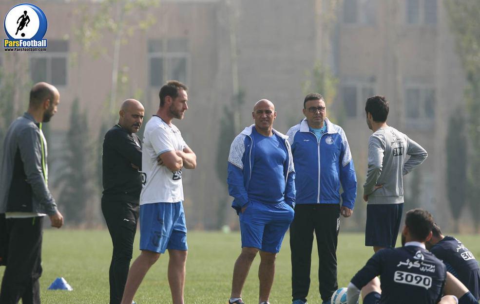 منصوریان با صدور رضایت نامه برای جدایی برخی بازیکنانش موافقت کرد