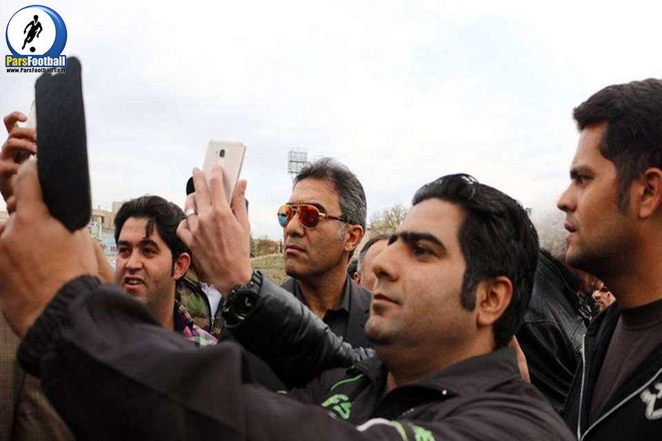 Image result for سلفی های خجالت آور در مراسم پورحیدری
