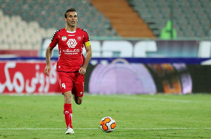 سیدجلال حسینی : برخی بازیکنان فراموش میکنند که کجا هستند
