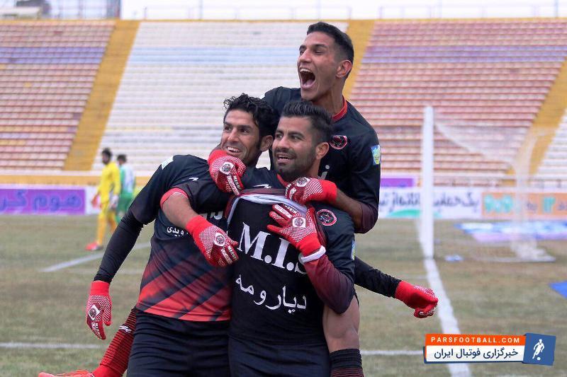 عباس عسکری ناجی تیم خداداد ؛ تصویری از ناجی گربه سیاه لیگ برتر