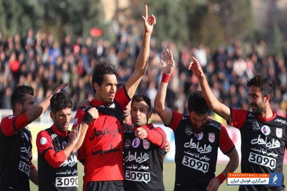 پرواز جانانه فرزاد حاتمی ناجی تیم تراکتورسازی | خبرگزاری فوتبال ایران