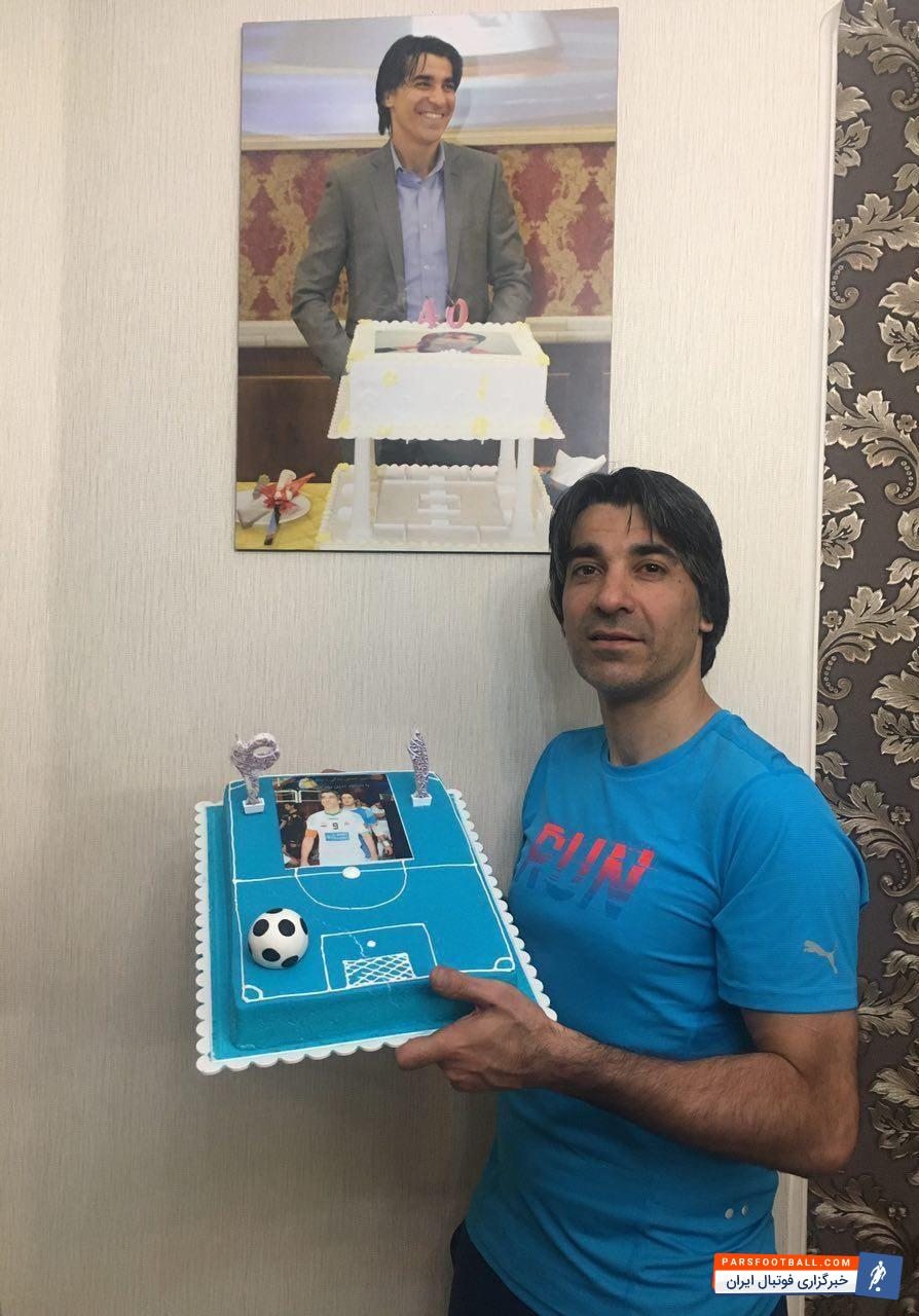 تی وی ورزش تاجیکستان تصویری از کیک تولد آبی رنگ بازیکن محبوب ایران | وحید شمسایی