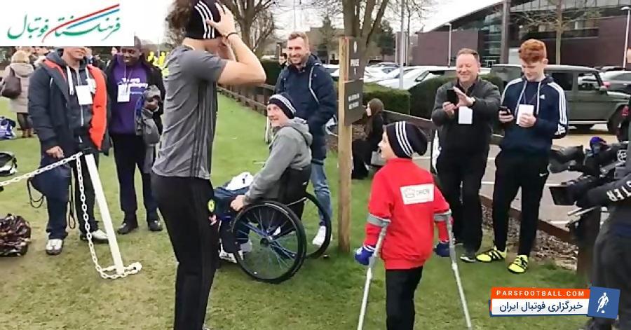 فیلم ؛ حرکت جالب و انسان دوستانه داوید لوییز با کودک معلول ؛ پارس فوتبال