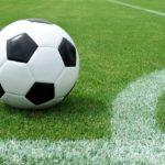 دروازه بان فوتبال - توپ فوتبال