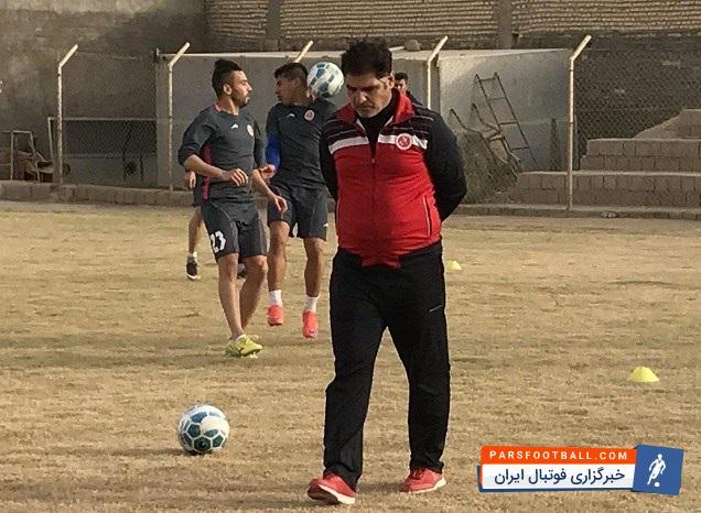 مهاجری: ورزشگاه امام رضا همه جوره به ما کمک میکند ؛ ما به 2 ، 3 بازیکن دیگر نیاز داریم