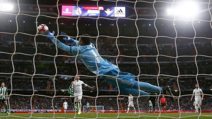 مهارتوپ باور نکردنی ناواس در دیدار رئال مادرید برابر بتیس ؛ پارس فوتبال اولین خبر گزاری فوتبال ایران