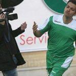 عادل فردوسی پور در زمین فوتبال