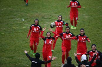تیم فوتبال بانوان آینده سازان
