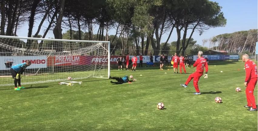 تمرینات اختصاصی دروازه بان های تیم ناپولی ؛ پارس فوتبال اولین خبر گزاری فوتبال ایران