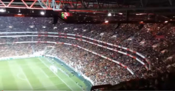 اجرای سرود ملی تیم پرتغال توسط هواداران