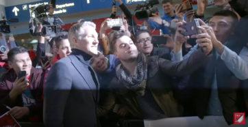 استقبال هواداران از اشنایگر بعد از ورود به شیکاگو
