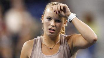 مسابقه تنیس بانوان کرولاین وزنیاکی مقابل لوسی سافارووا