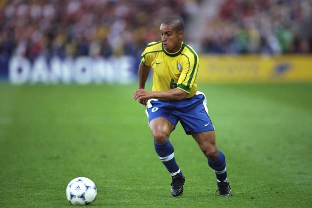 ده گل برتر روبرتو کارلوس ستاره تیم ملی فوتبال برزیل و باشگاه رئال مادرید