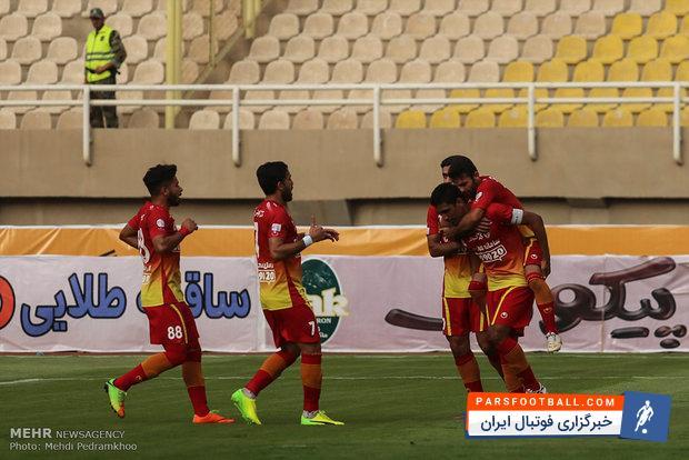 سینا مریدی بازیکن فولاد: در تهران بازی سختی برابر تیم بزرگ استقلال داریم
