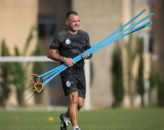 میک مک درموت - میک مک درمورت مربی سابق تیم ملی با حضور در تمرین استقلال