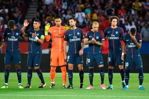 اشک های نیمار برای کشته شدگان حادثه تروریستی شهر بارسلونا ؛ پارس فوتبال
