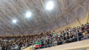استقبال پر شور بانوان از دیدار تیم ملی والیبال ایران و قطر در اردبیل
