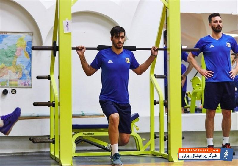 عزت الهی روی جلد ماهنامه باشگاه آمکار ؛ ستاره ایرانی روی جلد ماهنامه باشگاه اروپایی