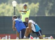 مسوت اوزیل ستاره تیم فوتبال آرسنال از انتقال به تیم فوتبال منچستریونایتد مطمئن است