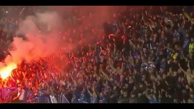 تشویق ایسلندی هواداران تیم ایسلند بعد صعود به جام جهانی ؛ پارس فوتبال