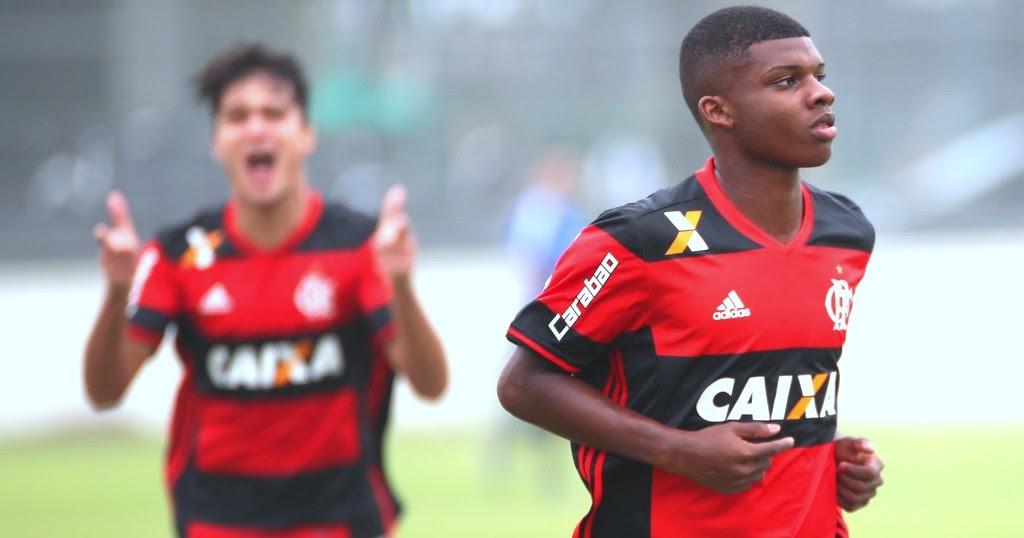 تیم بارسلونا به دنبال جذب لینکولن مهاجم 16 ساله تیم فوتبال فلامینگو برزیل است
