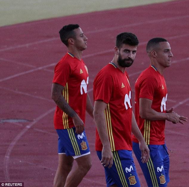 توهین به پیکه در تمرین اسپانیا ؛ پارس فوتبال اولین خبرگزاری فوتبال ایران