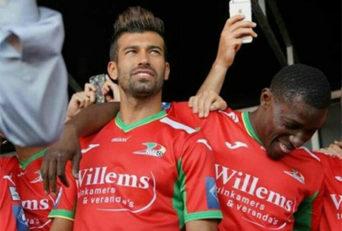 عکس سلفی رضاییان با هم تیمی هایش بعد از پیروزی برابر شارلوا در لیگ بلژیک
