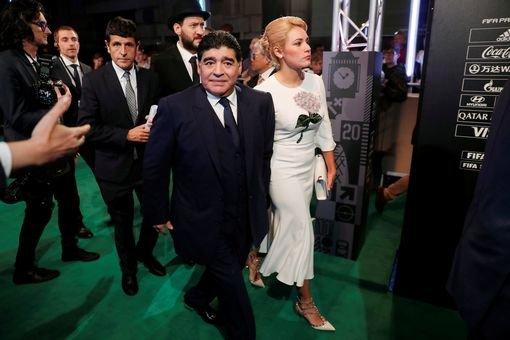 مارادونا : اهدای جایزه به رونالدو و اینکه نمی توانستم آنرا تقدیم مسی کنم روحم را جریحه دار کرد