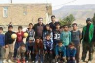 فوتبال بازی کردن حمید استیلی با کودکان زلزله زده کرمانشاه