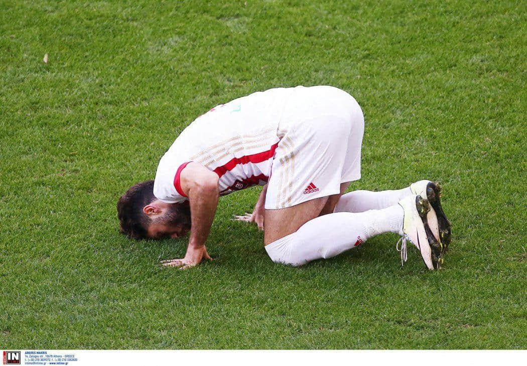 روز های خوش به کریم انصاری فرد در تیم فوتبال المپیاکوس در حال چشمک زدن هستند