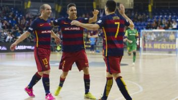 حرکت تماشایی و دیدنی بازیکنان تیم فوتسال بارسلونا که به گل تبدیل شد