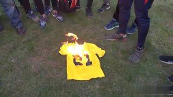 آتش زدن پیراهن نفت طلائیه و بی ارزش خواندن جهانیان توسط فریاد شیران!