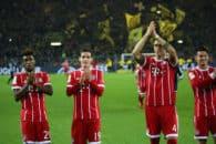 عکس یادگاری بازیکنان تیم فوتبال بایرن مونیخ بعداز پیروزی برابر دورتموند در رختکن
