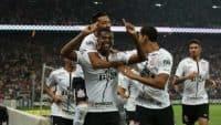 کورینتیانس با پیروزی 3-1 بر تیم فلومیننزه، توانست برای هفتمین بار قهرمان لیگ برزیل شد