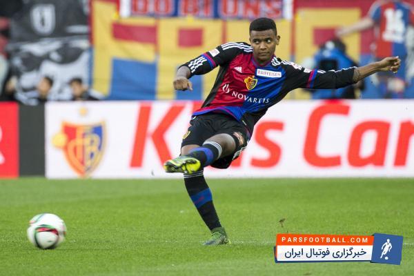 مانوئل آکانجی مدافع جوان باشگاه بازل گزینه دورتموند برای خط دفاع است