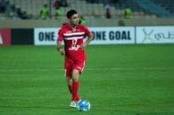 صادق محرمی بازیکن پرسپولیس که در بازی برابر بادران در نیمه اول پر اشتباه ظاهر شد