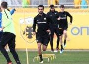 مسعود شجاعی بازیکن جدید تیم فوتبال آ اک اتن در تمرینات این تیم شرکت کرد