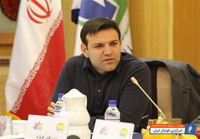 شهاب عزیزی خادم : مگر این فوتبال چه چیزی دارد که آقایان دو دستی به آن چسبیده اند