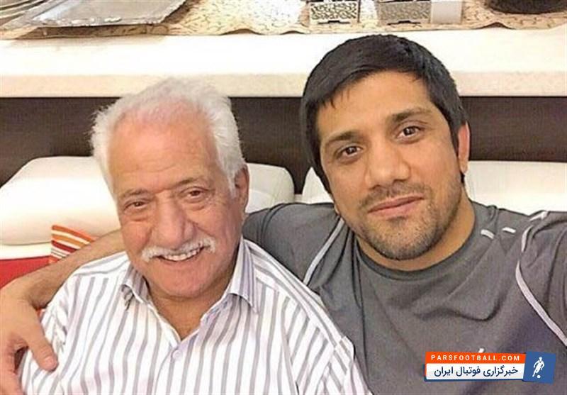 علیرضا دبیر در غم از دست دادن پدرش به سوگ نشست ؛ پارس فوتبال